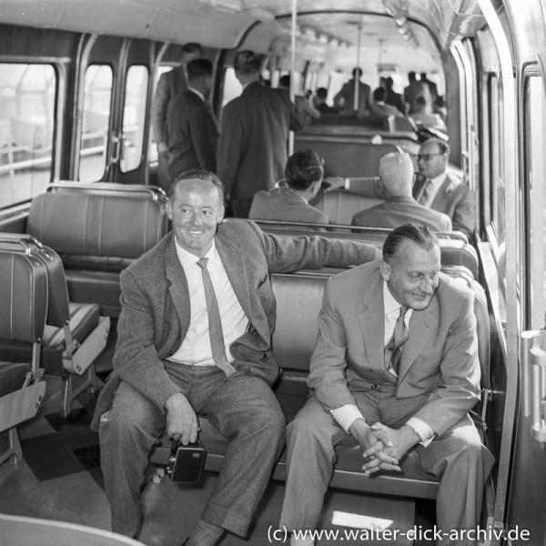 Im Versuchszug der ALWEG Bahn 1957