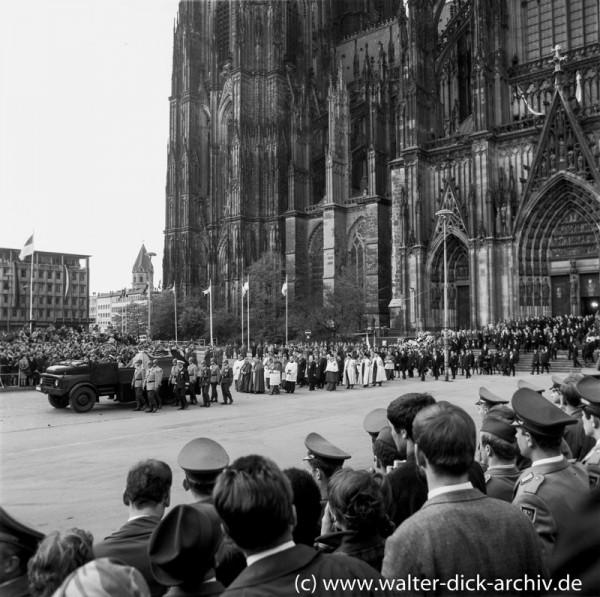 Trauergottesdienst für Konrad-Adenauer im Kölner Dom 1967