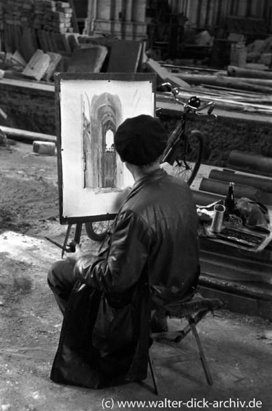 Kunstmaler im zerstörten Dom