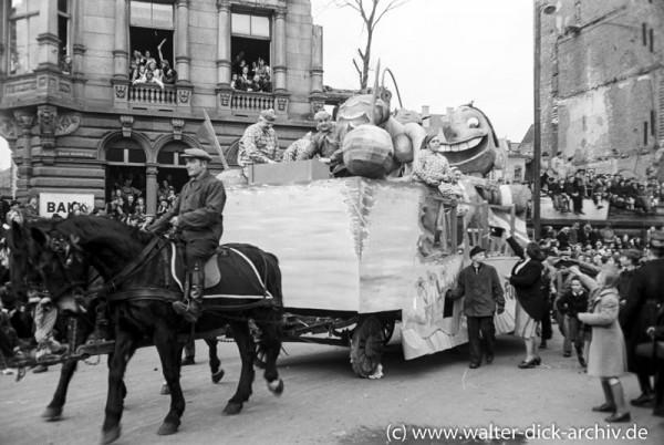 Motivwagen im Kölner Rosenmontagszug