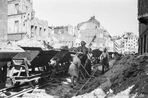 Trümmerräumung im Kölner Severinsviertel