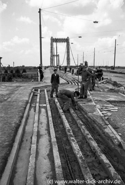 Kurz vor der Fertigstellung Mülheimer Brücke 1951