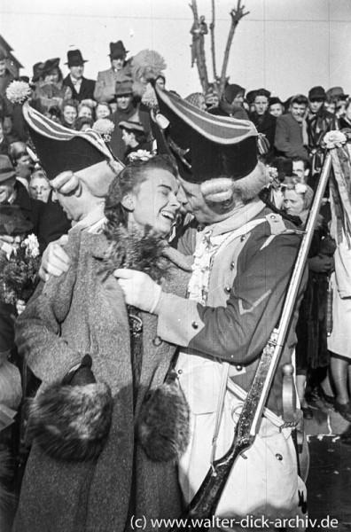 """Ein """"Bützjen"""" in Ehren - ein Küsschen für einen Roten Funken 1949"""