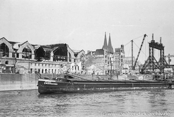 Kölner Central-Markthalle und Baustelle der Köln-Deutzer Brücke