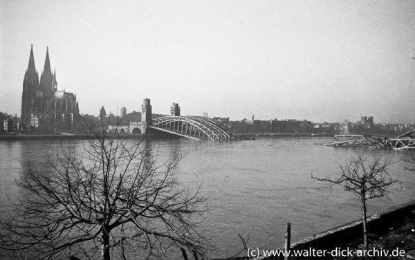 Zerstörte Kölner Hohenzollernbrücke