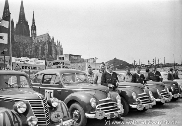 Ford Taunus bei der ADAC Deutschlandfahrt 1950