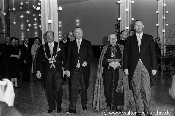 Die Ehrengäste 1955