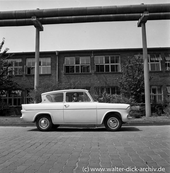 Präsentation eines englischen Ford Modells in Köln