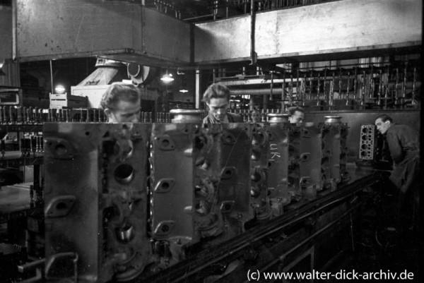 Motorenfertigung bei Ford in Köln