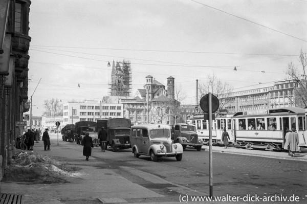 Am Kölner Neumarkt 1951