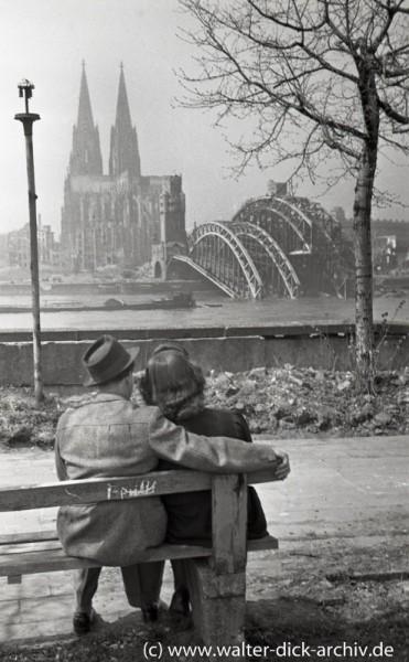 Frühling und Frühlingsgefühle am Rhein 1946
