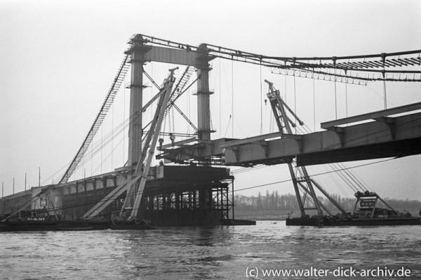 Das letzte Teilstück 1950 Mülheimer Brücke