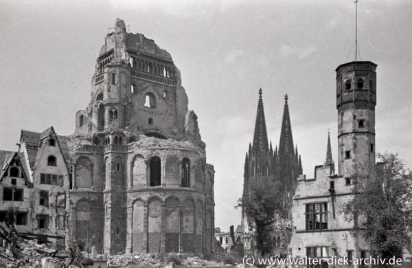 Groß St. Martin, Dom und Stapelhaus