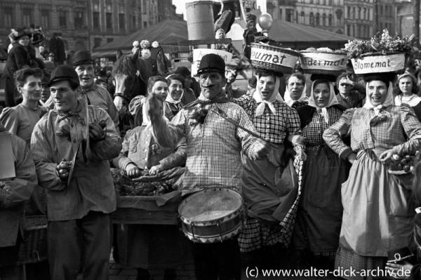 Marktweiber beim Karnevalszug