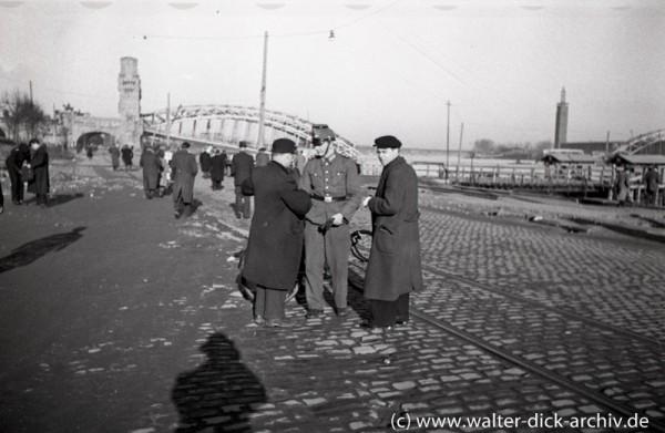 Schwarzmarkt-Razzia am Kölner Rheinufer