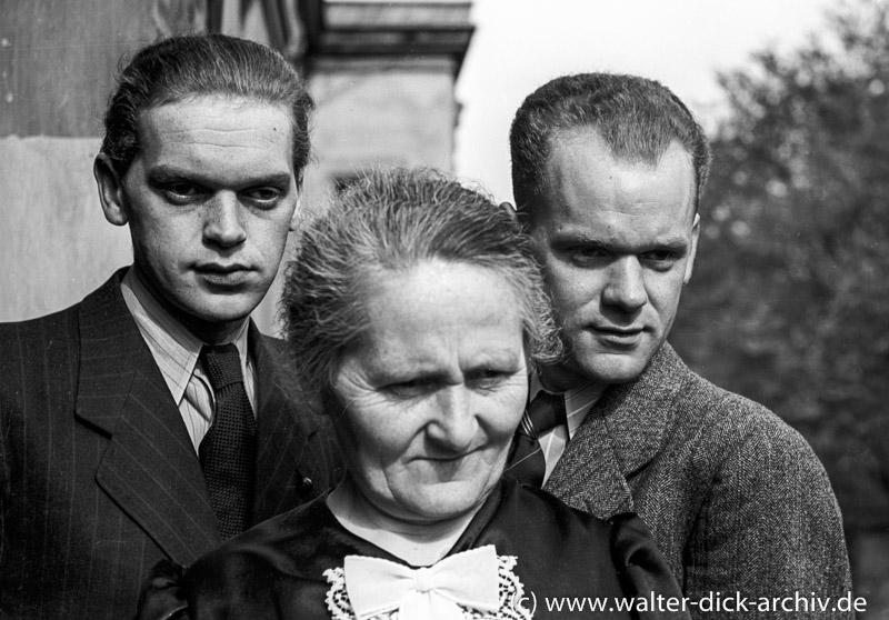 Walter-Dick-Mutter-Bruder-2757-1-020
