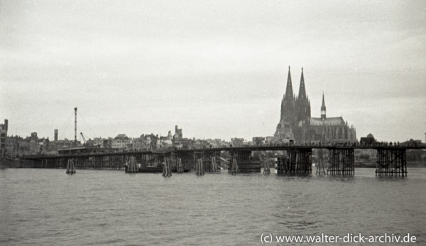 """Amerikanische Pionierbrücke """"Tausendfüßler"""""""