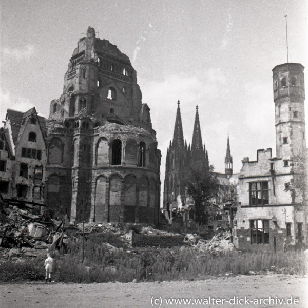 Groß St. Martin und Stapelhaus
