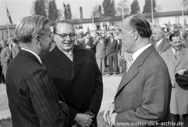 Vor der Abreise Konrad Adenauers nach Moskau