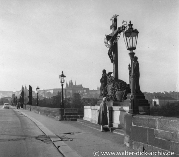 Prag-Karlsbrücke Hradschin und Veitsdom 1965