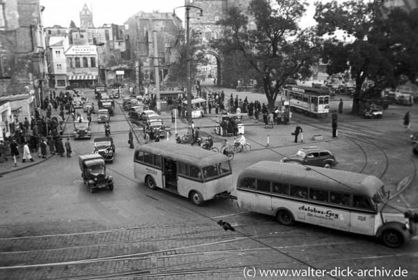 Viel Verkehr am Rudolfplatz