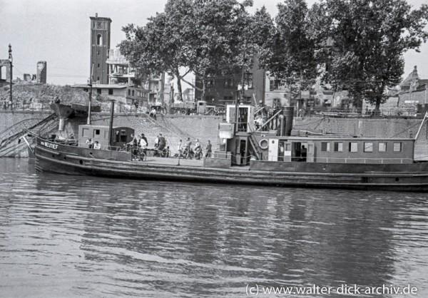 Fährbetrieb über den Rhein