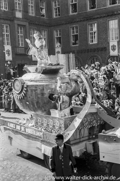 Der Geist aus Aladins Wunderlampe im Kölner Rosenmontagzug