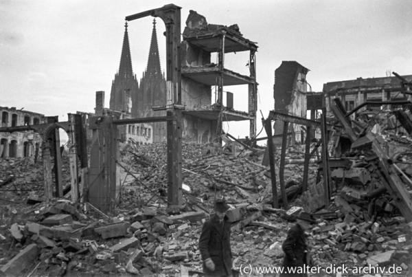 Mahnmale der Zerstörung