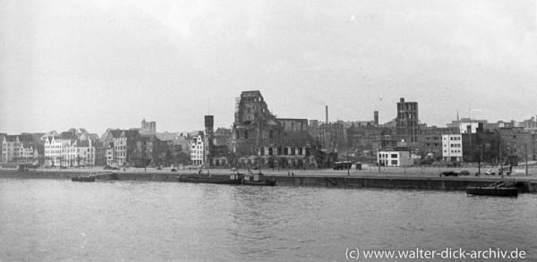 Zerstörtes Stadtpanorama-1951