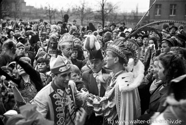 Prinz Karneval im Köln-Sülzer Waisenhaus