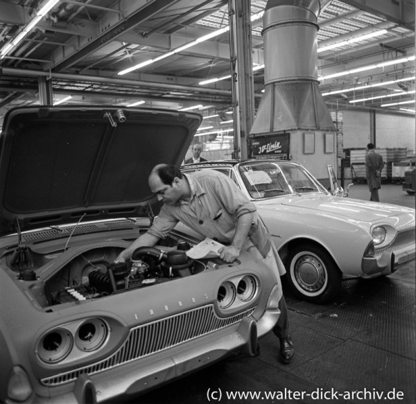 Letzte Montagearbeiten Ford Taunus 17 M