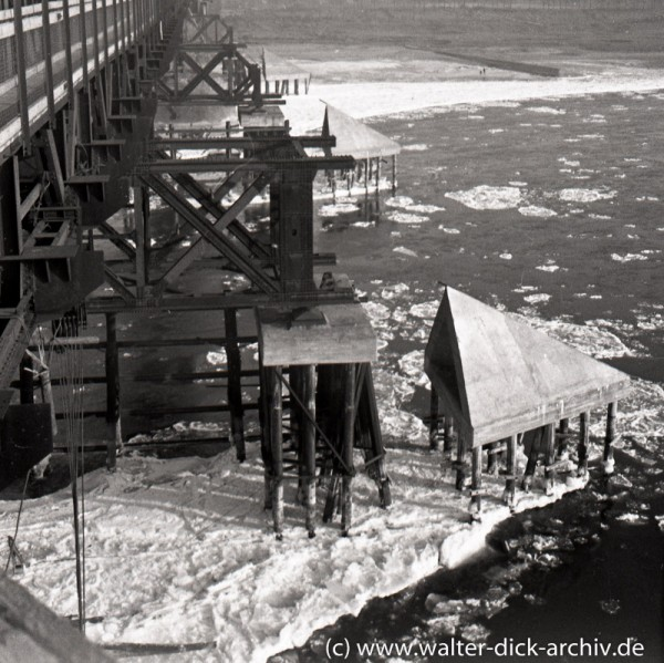 Eisgang auf dem Rhein