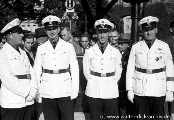 Polizei in Sommeruniform 1938