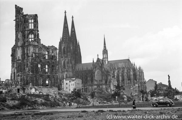Kölner Dom und Rathausturm