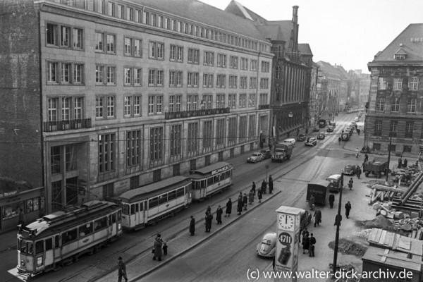 Kölner Straßenbahn zum Dom