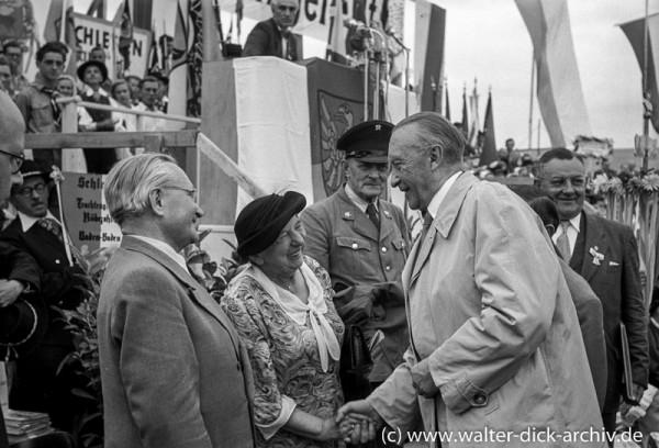 Konrad Adenauer beim Schlesiertreffen 1951