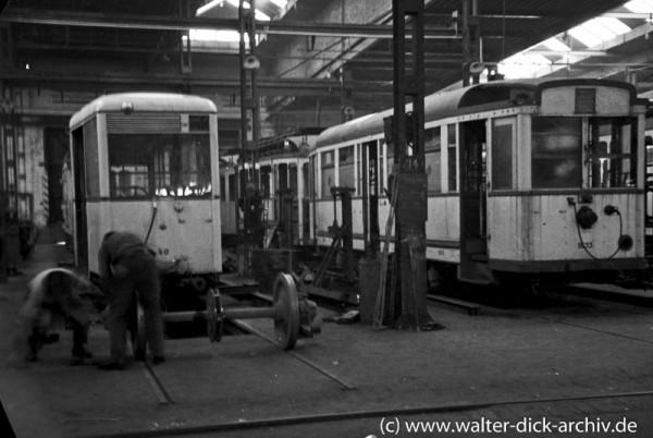 Wiederaufbau zerstörter Straßenbahnfahrzeuge