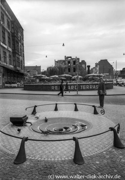 Der Taubenbrunnen 1954