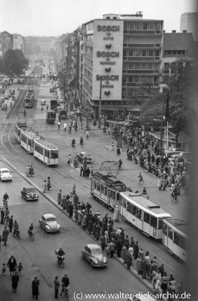 Blick auf den Kölner Hohenzollernring 1954