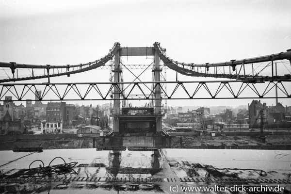 Bau der Mülheimer Brücke 1950