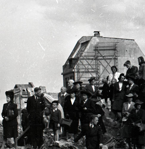 Schwarz-weiss-Foto-vorher-digitale-Retuschierung-im-Werkladen