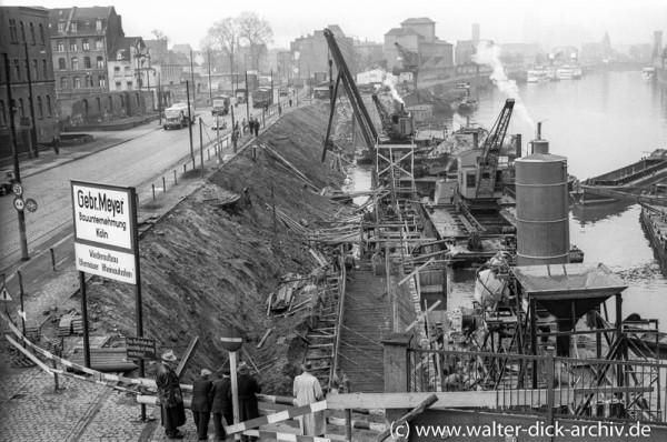 Wiederaufbau der Hafenmauer 1953