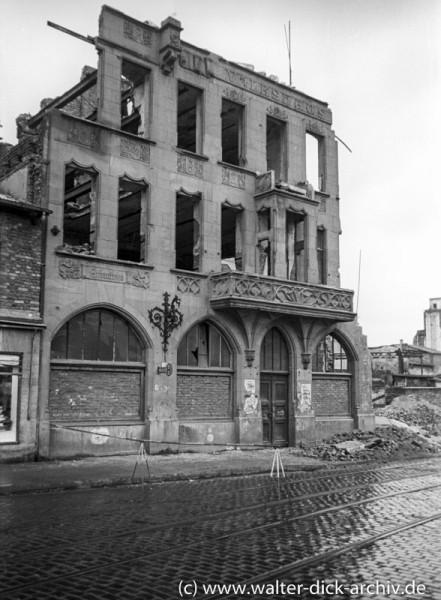 Ruine des Volkshauses 1947