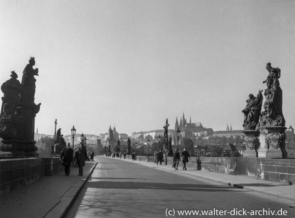 Die Karlsbrücke in Prag 1965