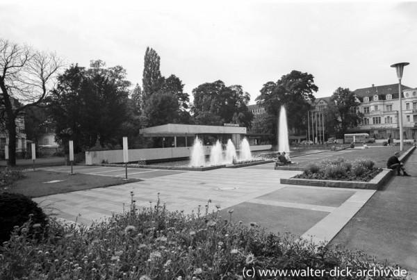Vor dem Bahnhof Bonn Bad-Godesberg 1965