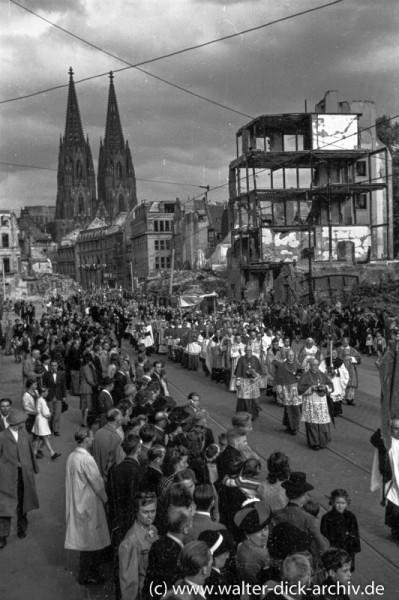 Die Kölner Fronleichnamsprozession auf der Gereonstraße