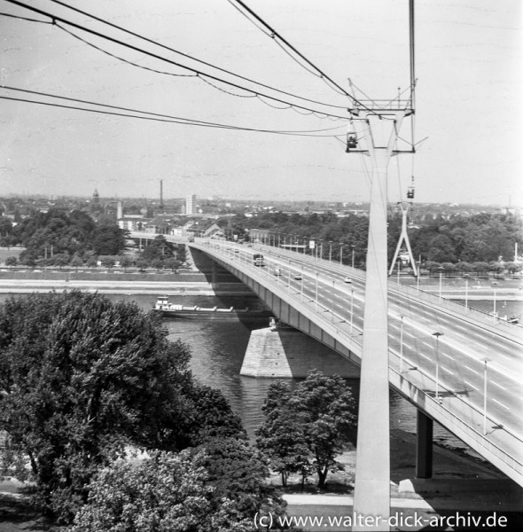 Rheinseilbahn und Zoobrücke 1967