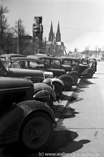 1948 Textilmesse-Parkplatz vor der Messe