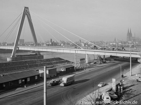 Die Kölner Severinsbrücke 1959