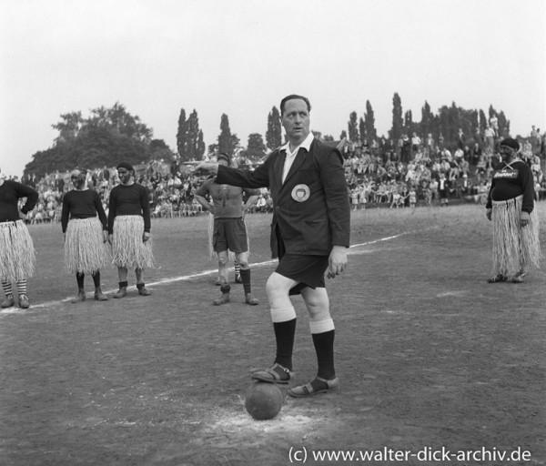 Theo Burauen : Wir stehen links, gespielt wird nach rechts! 1953